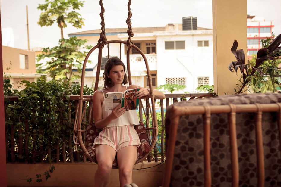 somewhere-nice-hostel-garden-2